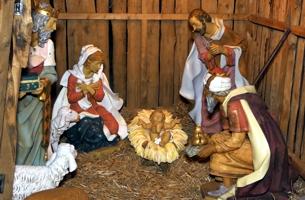 Krippe am Christkindlmarkt in Waldkraiburg